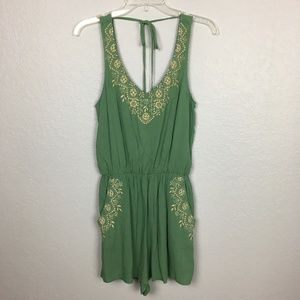 NWT Francesca's Alya embroidered romper-S
